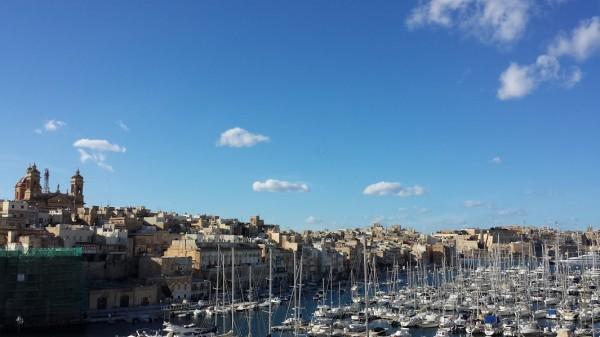 Malta in gennaio: Senglea vista da Birgù (Vittoriosa)